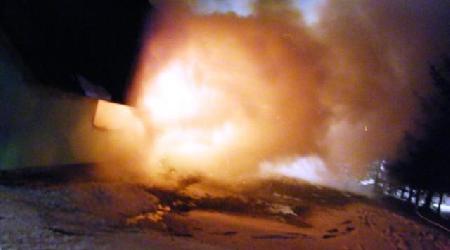 08. 01. 2010 - Hlinné - požár penzionu Apollo