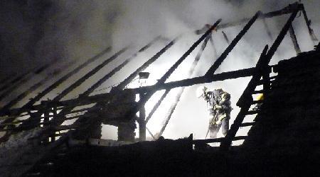 08. 02. 2013 - Divišov - požár hospodářské budovy