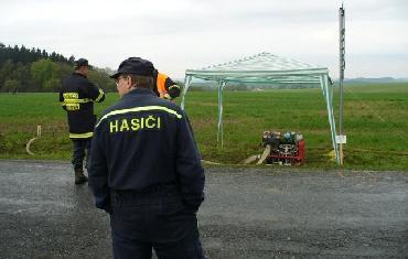 Rekord v dálkové dopravě vody - křižovatka mezi Horní Rožínkou a Rozsochami - 8.5.2010