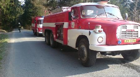 10. 04. 2009 - Dlouhé (Zátoky) - požár lesa a suché trávy