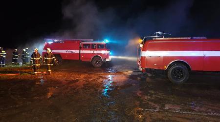 26.8.2019 - Ostrov nad Oslavou - požár stohu slámy